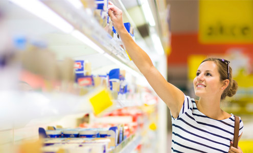 Picking food in a supermarket